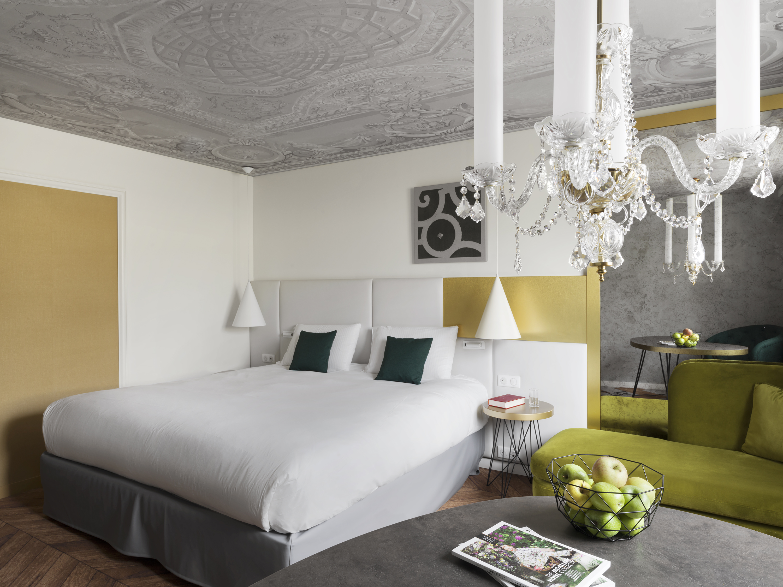 Sundukovy sisters boutique hotel le louis versailles for Design hotel 21